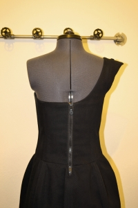 Back of the dress with the zipper.