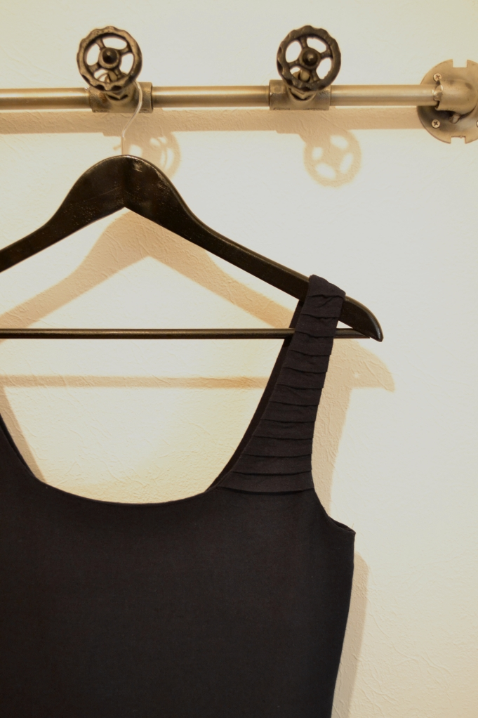 Top - pleating on the right shoulder