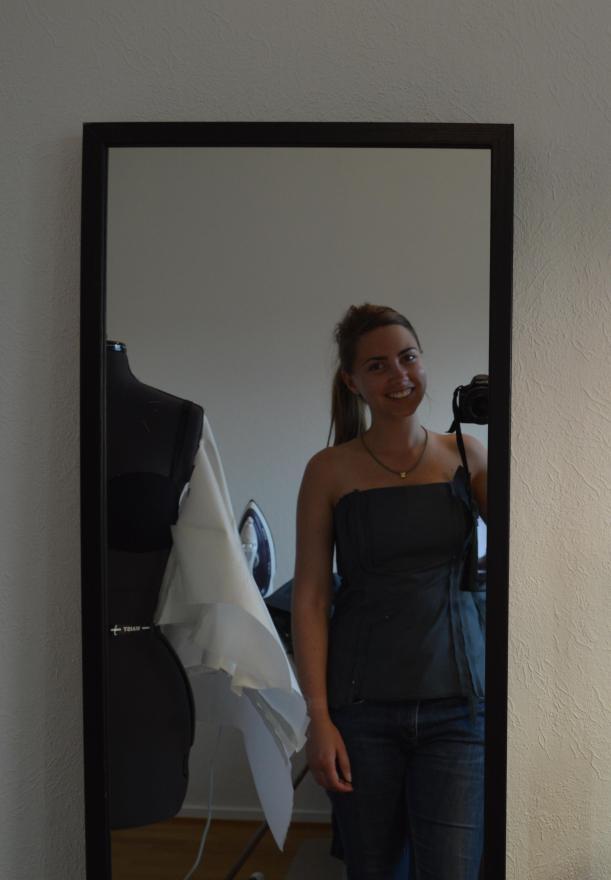 grey_dress