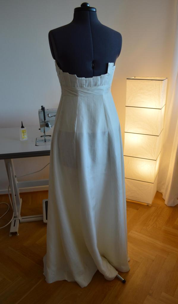 Last but not least, the back of the dress!