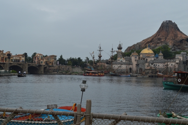 The Mediterranean harbour, with volcano and all.
