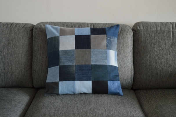 and 4 cushion covers!