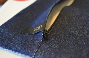 A lapped zipper